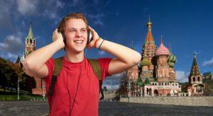 گوش کردن به زبانهای خارجی بدون فهمیدن معنی چقدر میتواند در یادگیری یک زبان موثر باشد؟